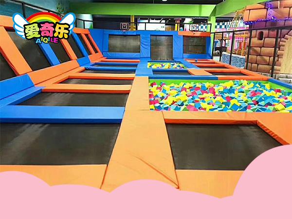 超级蹦床乐园